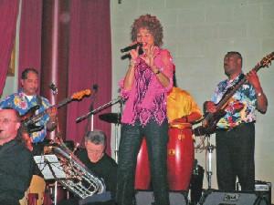 Colours of Music 2006: Dutch Rhythm Steel & Show Band (18112006)